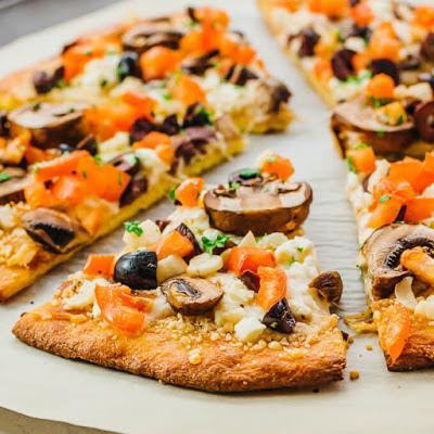 KETO PIZZA RECIPE (LOW CARB FATHEAD CRUST) #keto #pizza