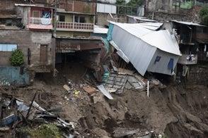 Depresión Tropical Amanda deja 14 muertos y más de mil familias albergadas en El Salvador