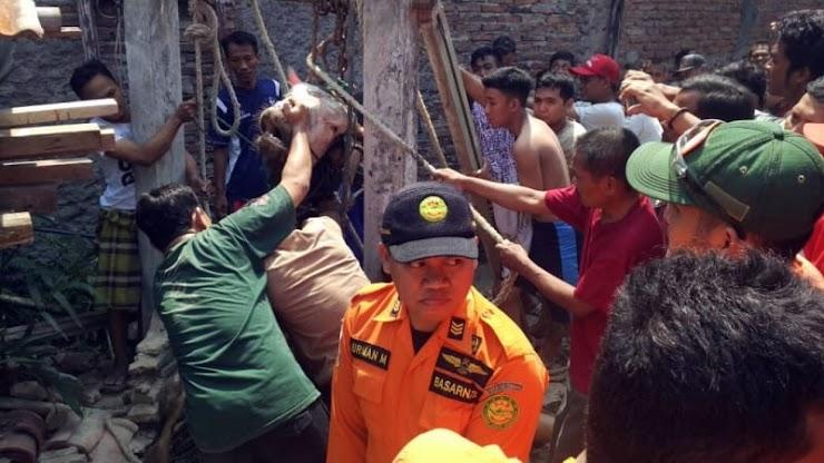 Hewan Kurban Masuk Sumur di Semarang Hewan Kurban Masuk Sumur di Semarang