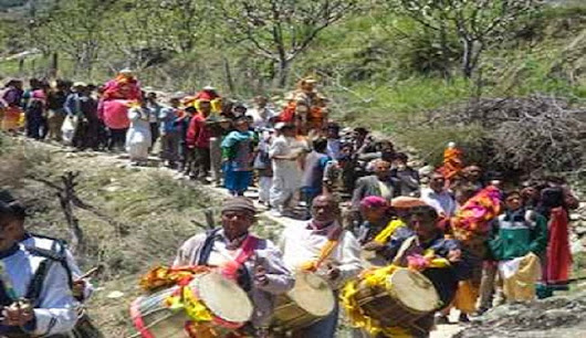 Chardham Yatra To Begin Today : Thousands Line Up | Insight India : A Travel Guide