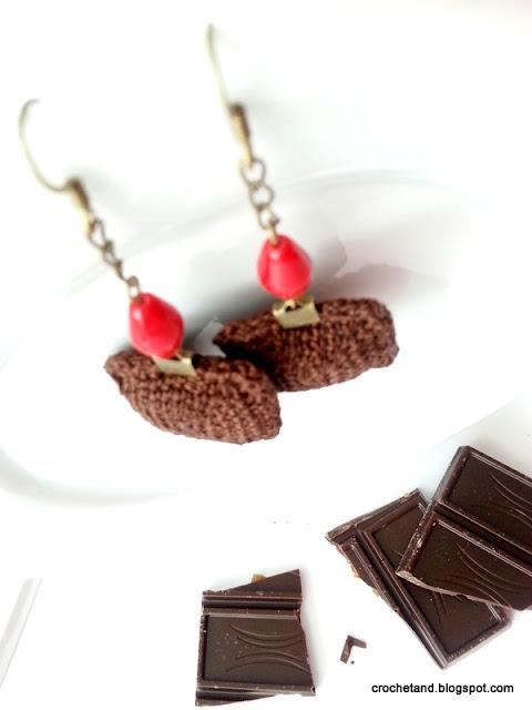 szydełkowe kolczyki czekoladowe z chili, wawel