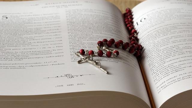 Teólogo español sostiene que las redes pueden favorecer prácticas satánicas