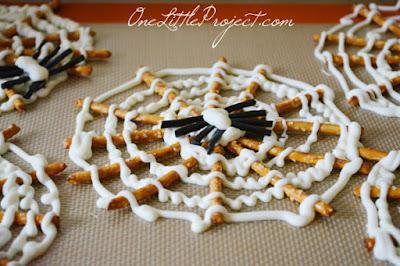 ragnatele con pretzel e formaggio