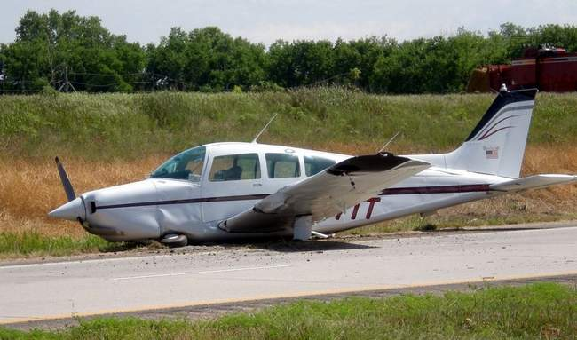 Kathryn's Report: Beechcraft C23 Sundowner, N377TT: Accident
