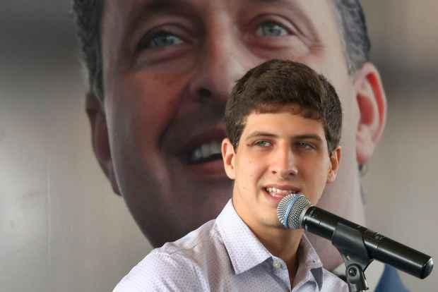 POLÍTICA: João Campos é lançado como candidato a Câmara Federal.