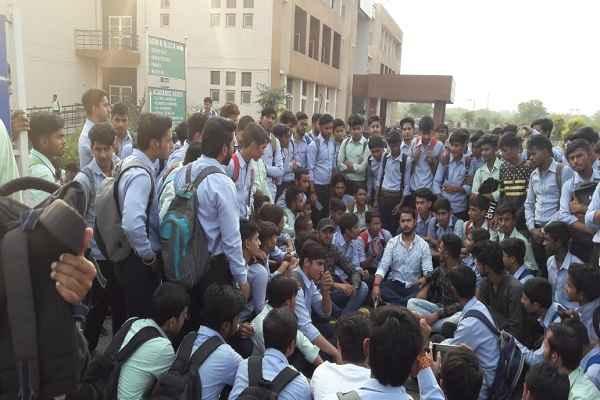 faridabad-raja-jait-singh-polytechnic-abvp-meeting-with-student-news