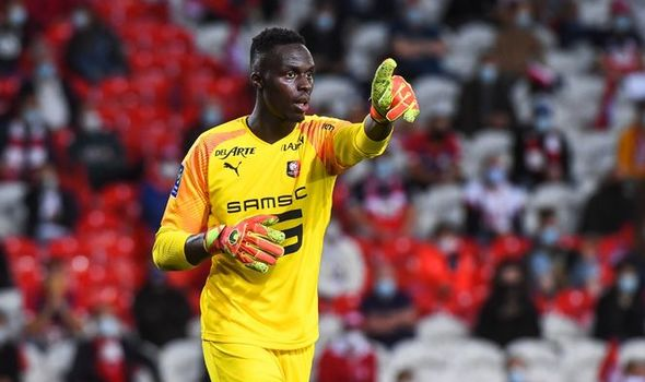 Chelsea confirms the signing of  Rennes goalkeeper Edouard Mendy