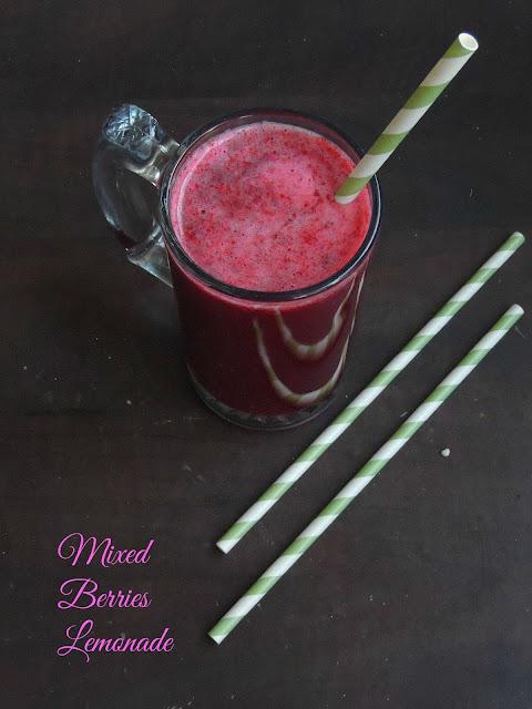 Mixed berries lemonade