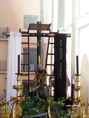 La muerte en la Semana Santa es triunfo de la Cruz sobre la muerte