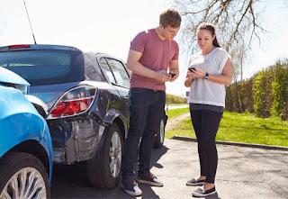 ¿Dónde están los conductores de hasta 35 años con más (y menos) probabilidad de sufrir un golpe de chapa?