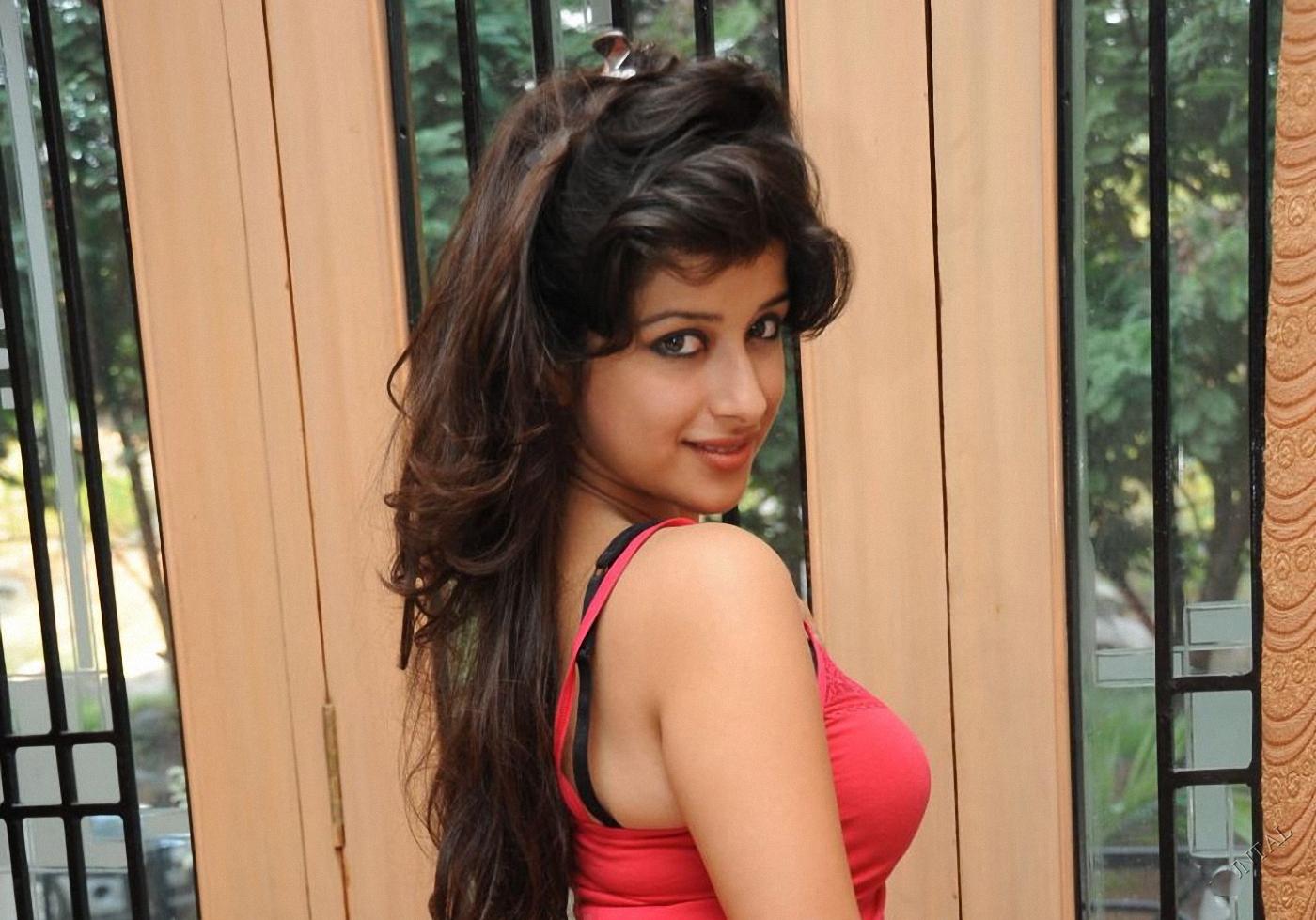 Madhurima Banerjee Hot Images