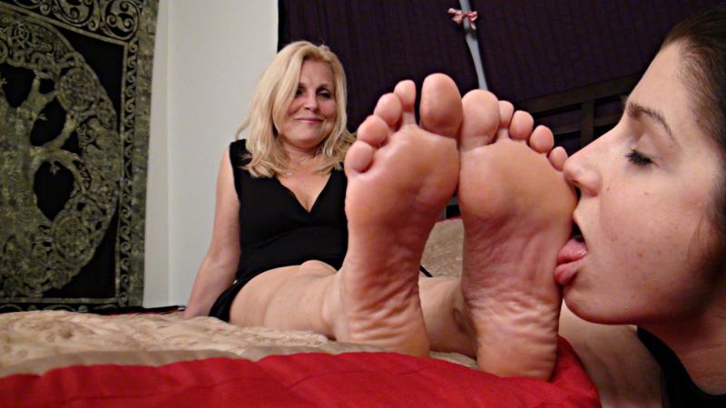 Milf feet tickled