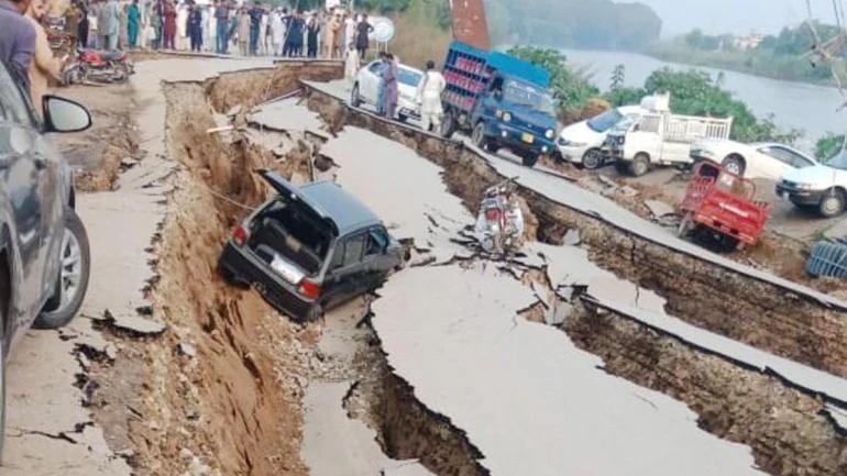 पाकिस्तान में भूकंप के बाद PoK में 19 लोगों की मौत, उत्तर भारत भी हिला