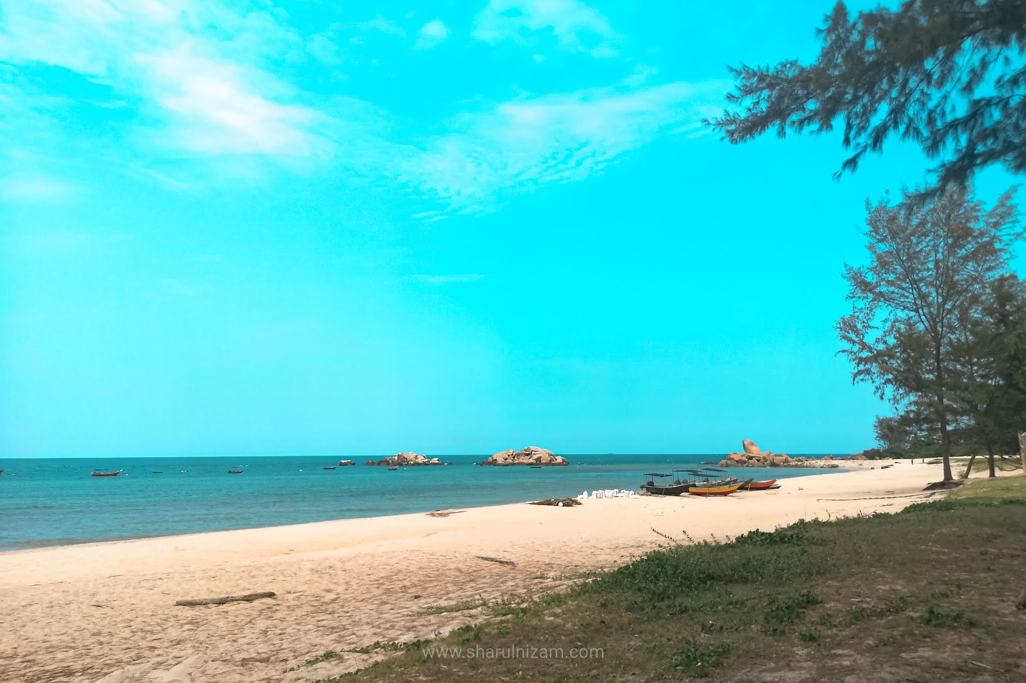 OOTD Di Pantai Penunjuk, Terengganu