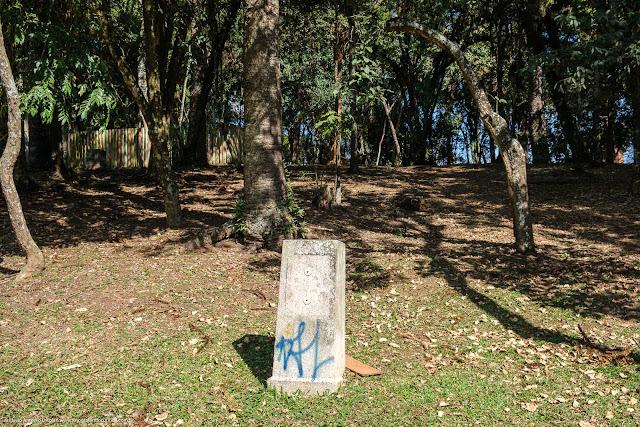 Bosque Dr. Martin Lutero - pedestal, onde havia uma placa