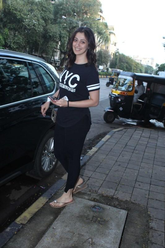 Julie 2 Actress Raai Laxmi Spotted at Juhu