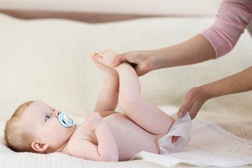 Penyebab Bayi Susah BAB dan Cara Mengatasinya dengan Mudah