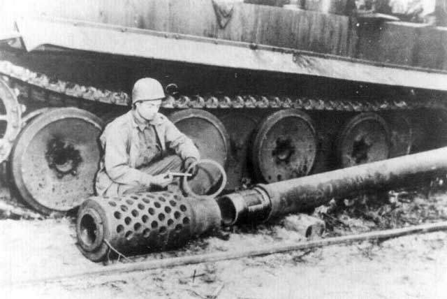 German E-100 super tank with muzzle brake worldwartwo.filminspector.com