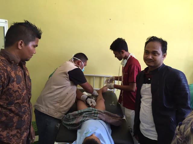 Sisihkan Gaji DPD, Fachrul Razi Khitan Anak Yatim Aceh Timur