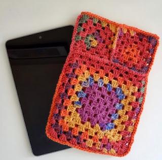 http://translate.googleusercontent.com/translate_c?depth=1&hl=es&rurl=translate.google.es&sl=en&tl=es&u=http://www.fiberfluxblog.com/2013/07/free-crochet-patternfruit-punch-tablet.html&usg=ALkJrhiGAHI89WM3CJeWhs1wgCrndkUfMA