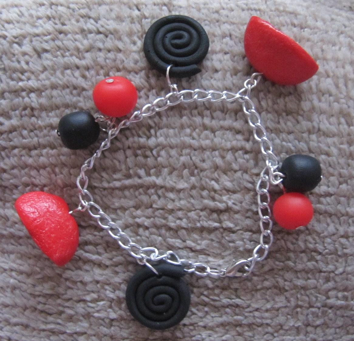 bijoux de cr ation en p te fimo bracelet breloques bonbons fimo. Black Bedroom Furniture Sets. Home Design Ideas