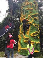 Muro de escalada infantil, uma das atrações da Abertura da Temporada de Montanhismo no PNSO