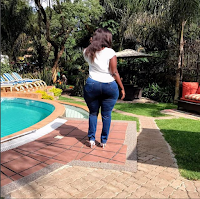 LADY with big derriere like LINDA OGUTU shows how she struggles to put on tight jeans(Watch Video)