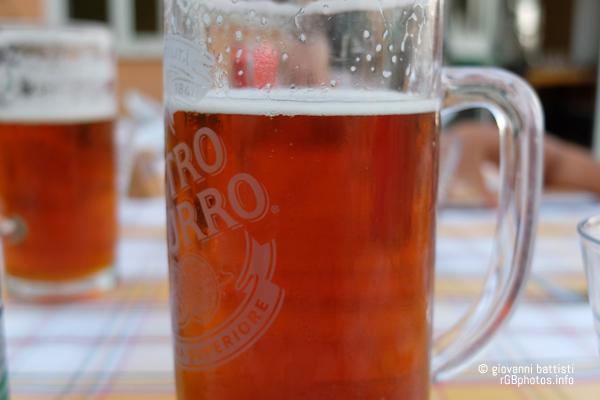 Fotografia di un boccale di birra
