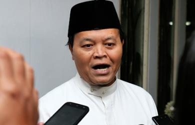 Politisi PKS Hidayat Nur Wahid (HNW) menganggap klarifikasi Kementerian Agama (Kemenag) soal sertifikasi dai malah menambah kontroversi.