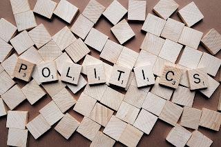 Política. A divisão de poderes no Brasil