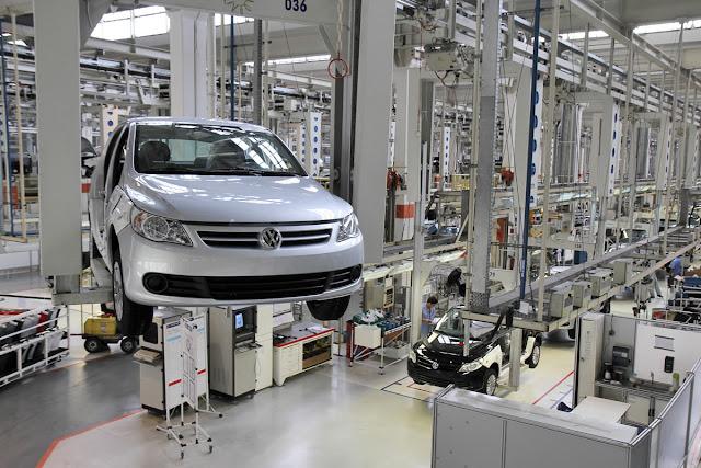 """VW e GM dão férias coletivas para os funcionários por motivos de """"proteção de emprego"""""""