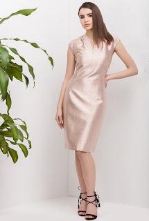 Rochie de seară mulată roz metalic