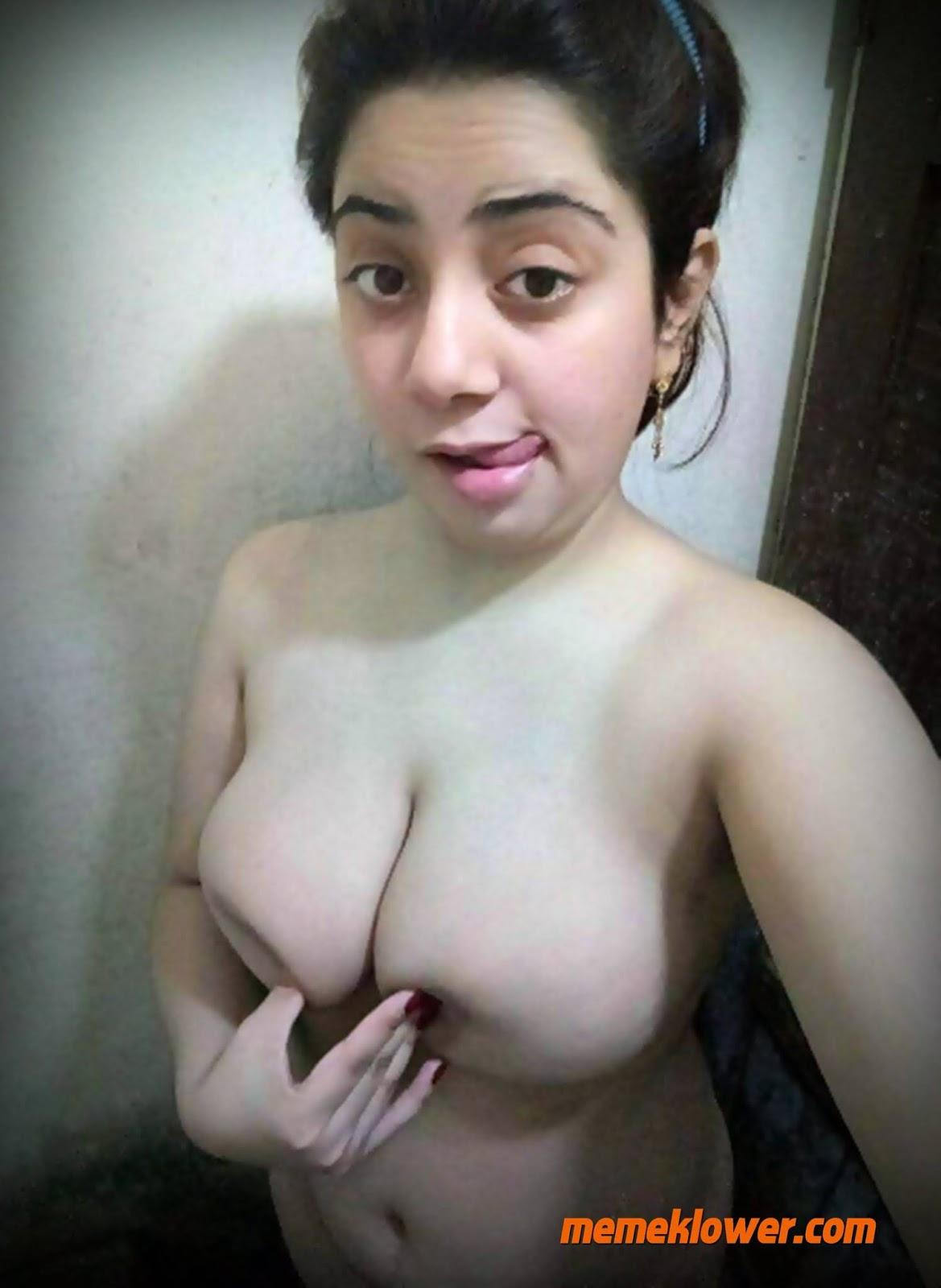 foto-bugil-tante-cantik-toge-body-mulus-2