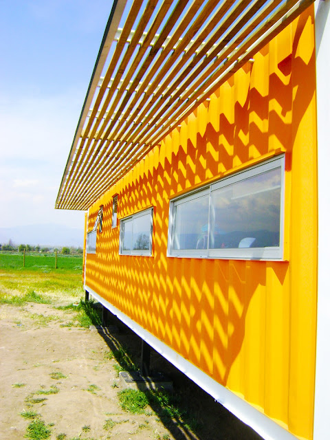 Earthquake-Resistant Modular Shipping Container Home 4