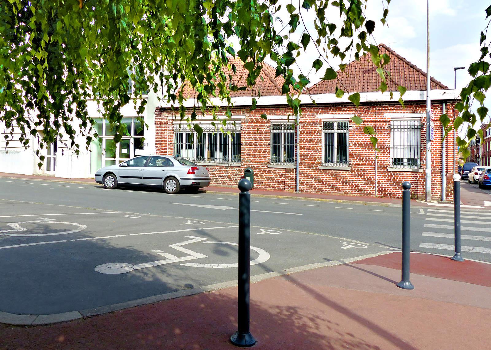 Place du Théâtre, Tourcoing - Parking PMR