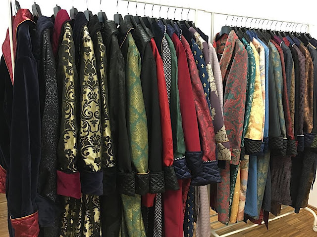 Mens luxury silk velour dressing gowns gentlemans robes paisley quilted