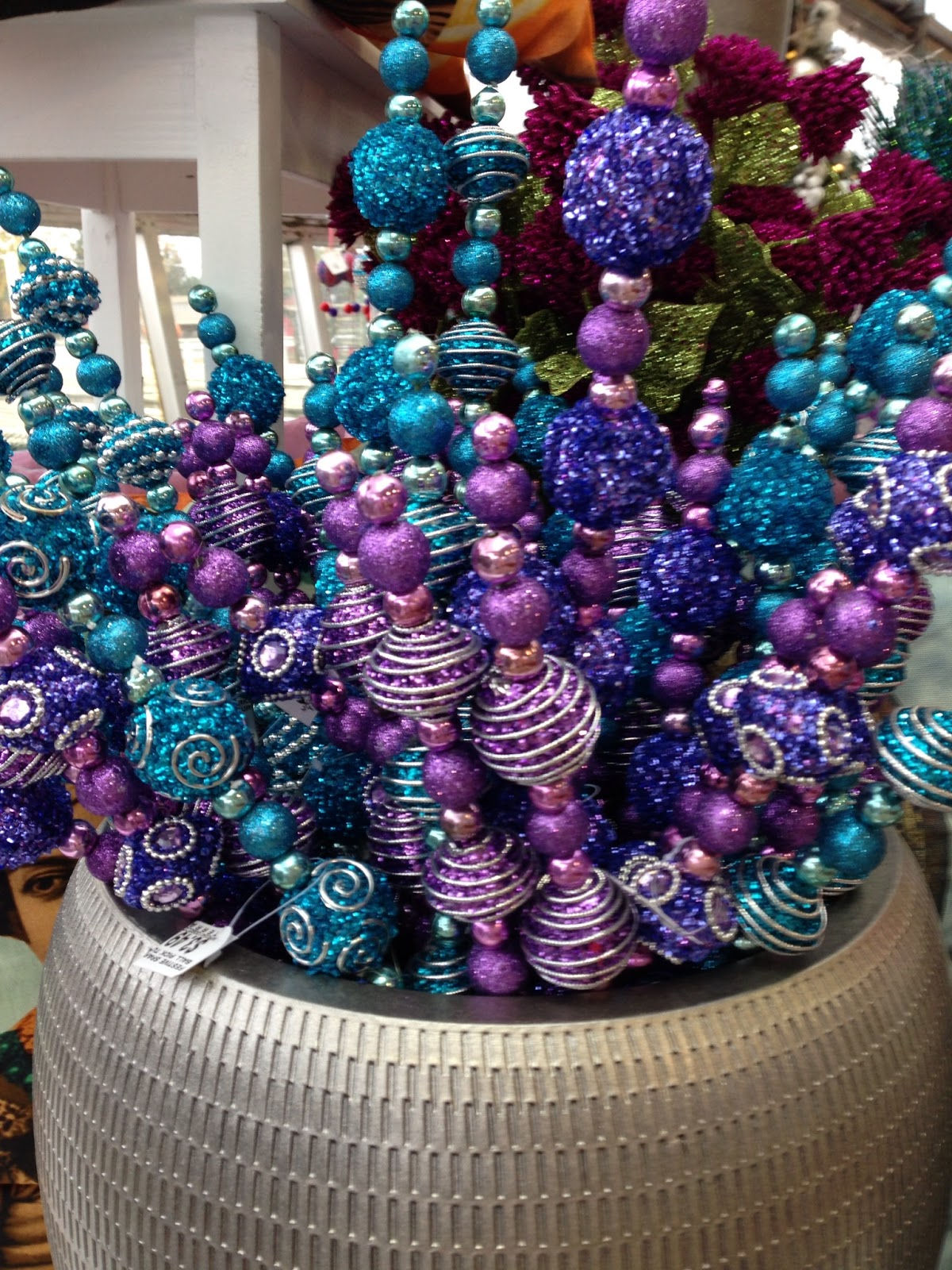 Girl It Up!: Christmas Ornaments on Sale: Time to Stock Up!