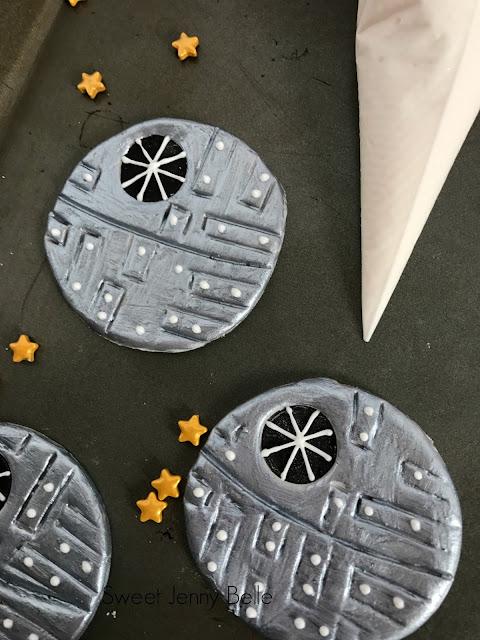 death star fondant cupcake topper star wars