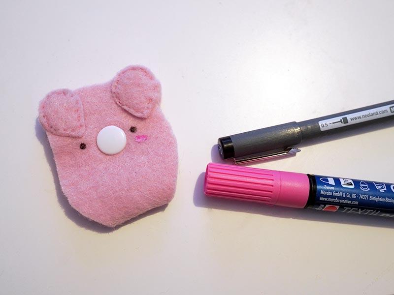 KuneCoco • DIY • Schweine-Kopfhörerhalter