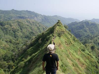 Pesona Keindahan Bukit Gunung Tumpeng | Gunung Koneng Sukabumi