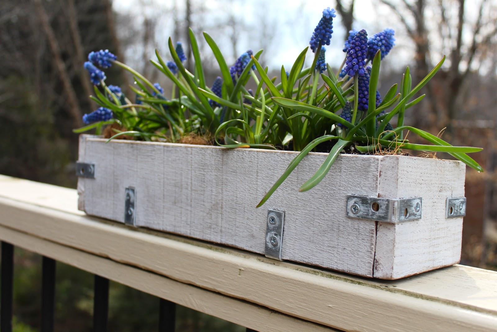 Diy Planter Box From Pallets Diy Pallet Wood Planter Box