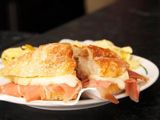 http://www.restaurantelareira.pt