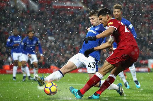 Liverpool 1-1 Everton: Viên đạn vào chân mình 1
