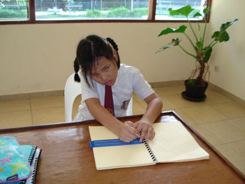 Kumpulan Materi Kebutuhan Dan Layanan Pendidikan Untuk Tunanetra