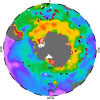 Researchers have found that bottom waters of the Southern Ocean had very low levels of oxygen during the last ice age, indicating high uptake of carbon. Here, dissolved Southern Ocean bottom-water oxygen in modern times. Brighter colors indicate more oxygen; dots show sites where researchers sampled sediments to measure past oxygen levels. (Credit: Jaccard et al., Nature 2016) Click to Enlarge.