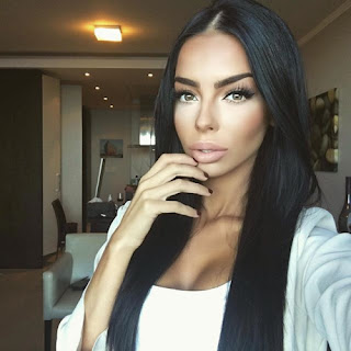 http://thismakeup.tumblr.com/post/147390486011/video-bold-lips-with-bold-eye-liner-look