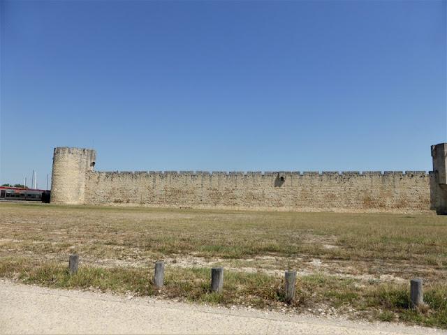 Aigues Mortes, muralla