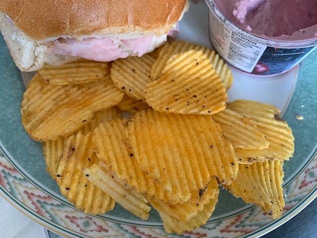 Walkers Max - Kentucky Fried Chicken Crisps