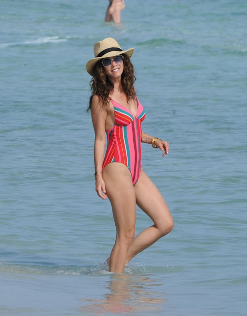 Juana-Acosta-in-Swimsuit-Ibiza