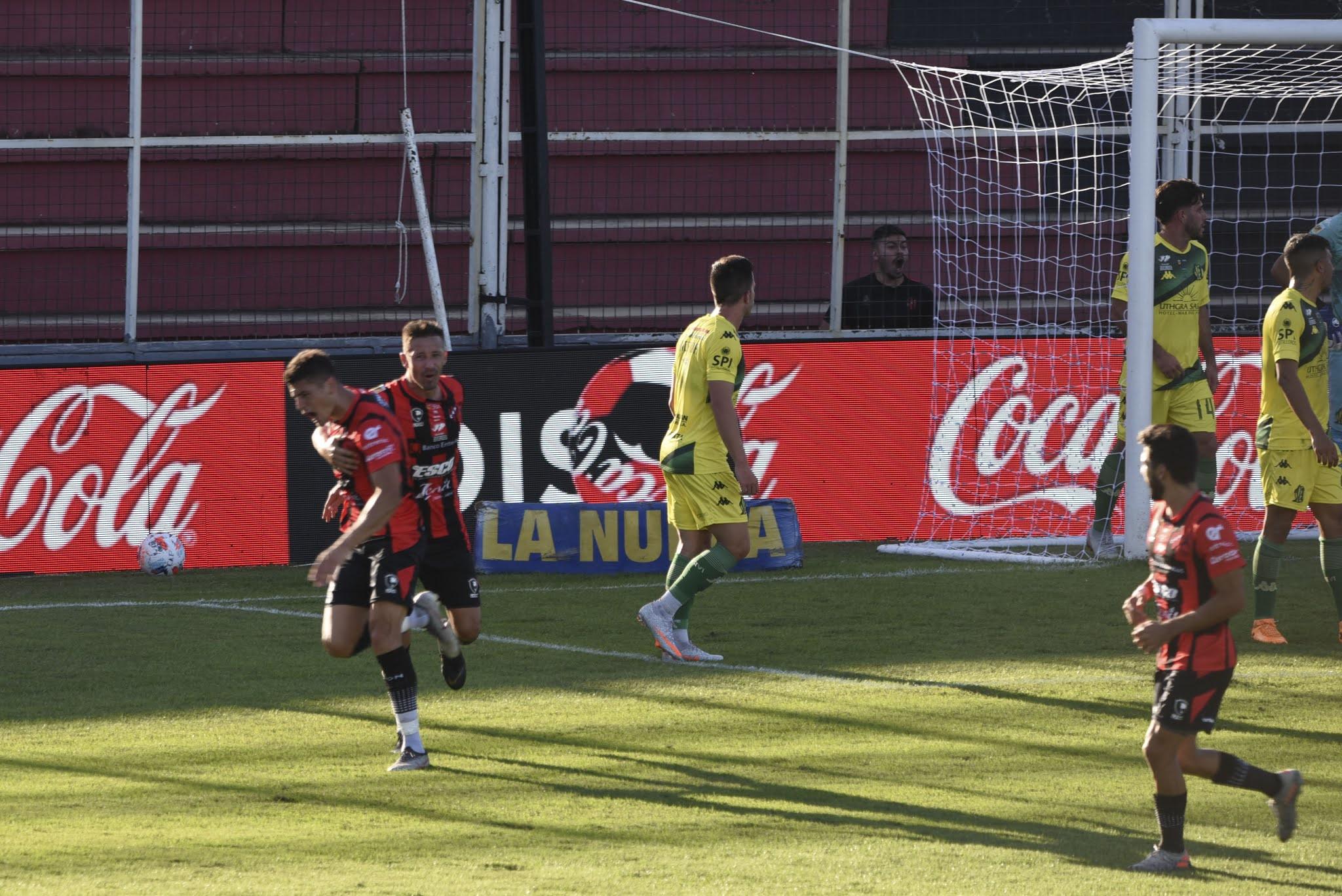 Patronato cortó la racha de más de un año sin ganar de local y venció a Aldosivi 2 a 0